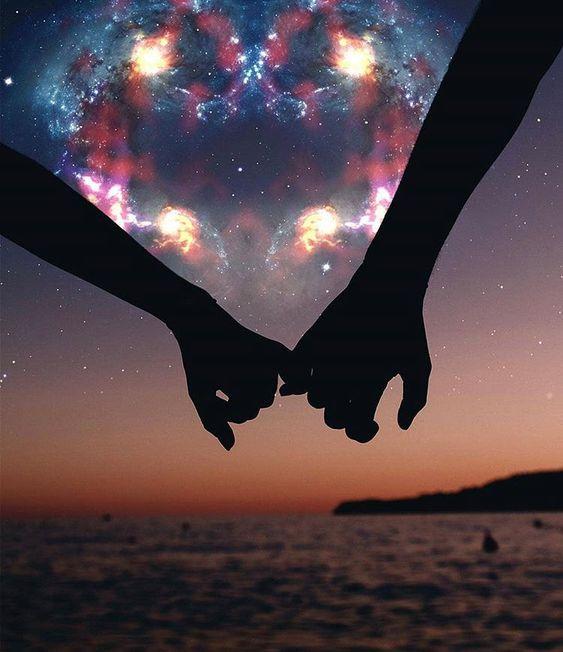 Сегодня мы разберем 20 признаков того, что Ваш партнер любит вас. Еще не слышали «Я люблю тебя»? Расслабьтесь, это не значит, что он не испытывает к вам чувств.